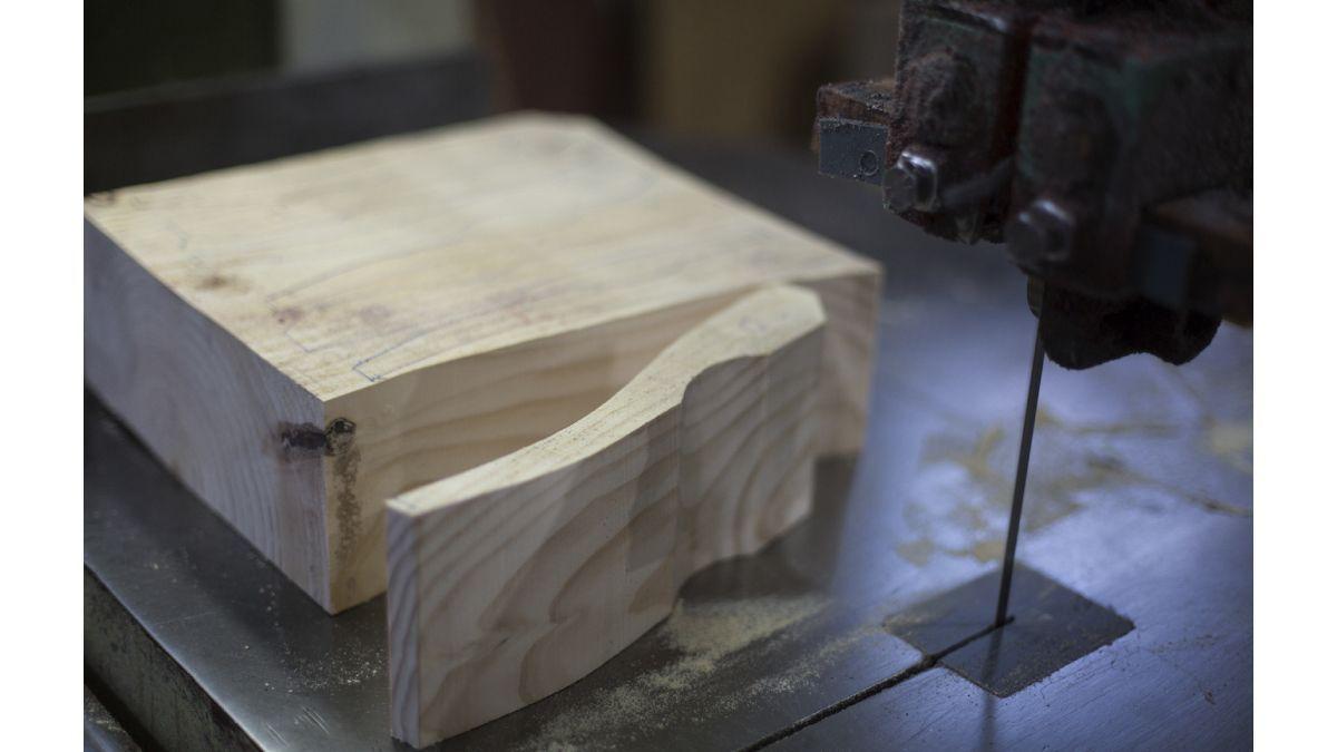 origen-de-los-zapatos-de-madera